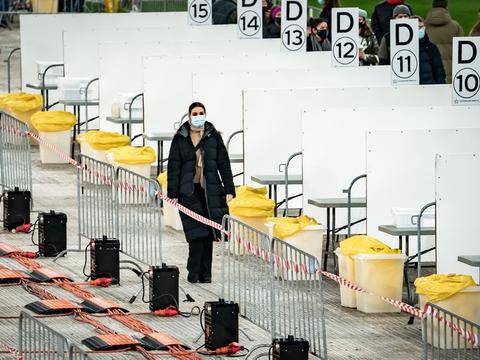 I januar er der gennemsnit foretaget 20.000 lyntest om dagen. De fire private aktører Falck, SOS International, Copenhagen Medical og Carelink har kapacitet til 100.000 test om dagen.